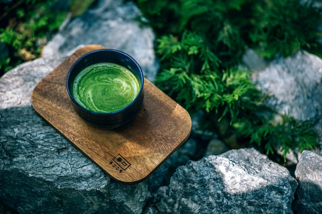 This image has an empty alt attribute; its file name is green-tea-1024x683.jpg